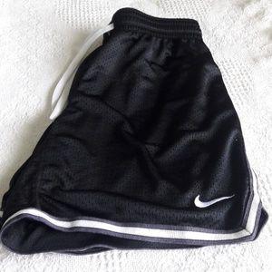 Nike Dri-Fit shorts size Small Unisex